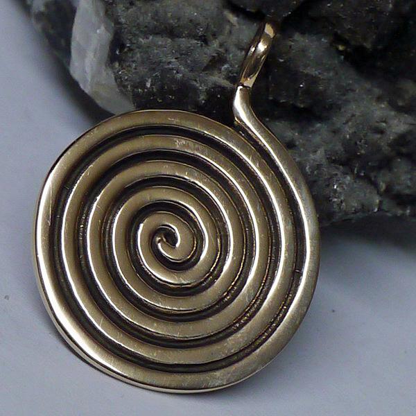kraftamulett lebensspirale anh nger aus bronze kelten viking mittelalter wicca ebay. Black Bedroom Furniture Sets. Home Design Ideas